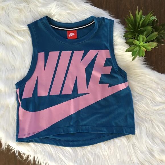 2600a5c9500 Nike Sportswear Essential Cropped Tank Top